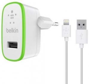 Belkin BOOST UP Apple Lightning fehér-zöld töltőfej + kábel (F8J125VF04-WHT)