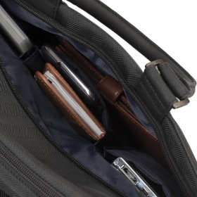 RivaCase 8135 Narita 15,6'' Fekete Notebook Táska (4260403570531)