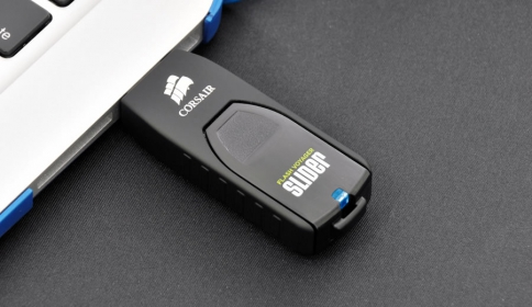 Corsair Voyager Slider 128GB Pendrive (CMFSL3B-128GB)