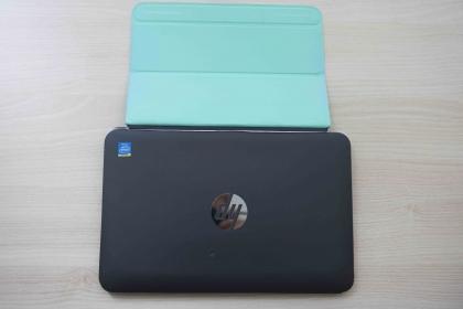 HP Tablet Pavilion x2 10-K010NH 10.1''  K9U91EAGR (Sérült)+ Nokia szürke