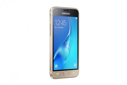 Samsung Galaxy  J1 (2016) Arany Okostelefon (SM-J120FZDNXEH)