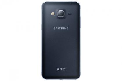 Samsung Galaxy J3 (2016) Fekete Okostelefon (SM-J320FZKNXEH)