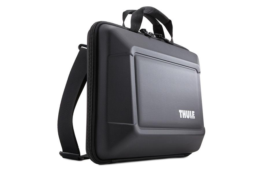 Thule Gauntlet 3.0 MacBook 15   fekete laptop táska (TGAE-2254) fb44b93d68
